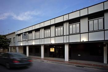 Venue-Hotel-The-Lily-