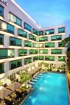 Park-Regis-Singapore