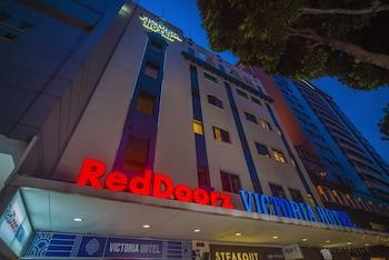 RedDoorz-Plus-Victoria-Hotel