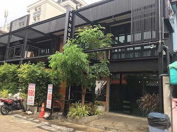 Yotaka-The-Hostel-@bangkok