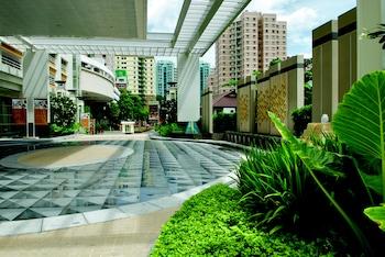 The-Narathiwas-Sathorn-Bangkok-Hotel